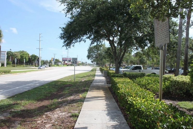 Old Dade County Court House Marker looking north on US 1 image. Click for full size.