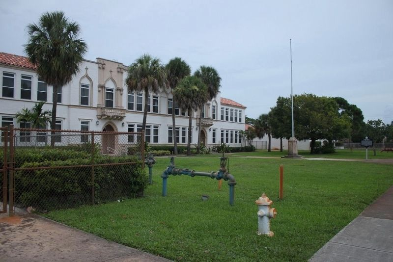 Historic Jupiter School and Marker image. Click for full size.