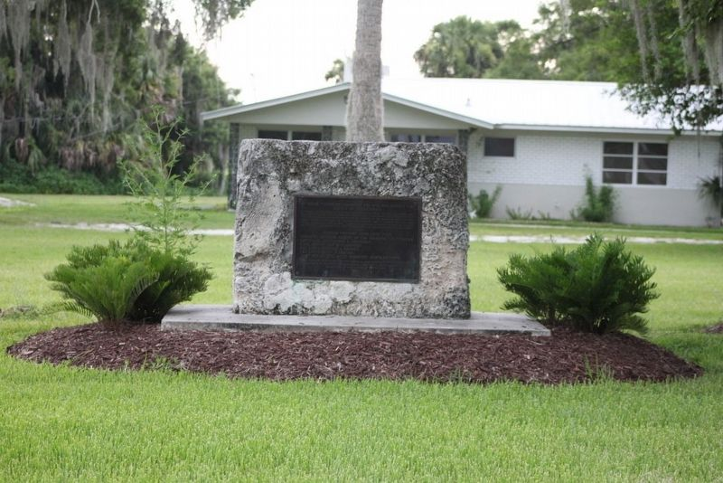 Battle of Okeechobee Marker on stone pedestal. image. Click for full size.