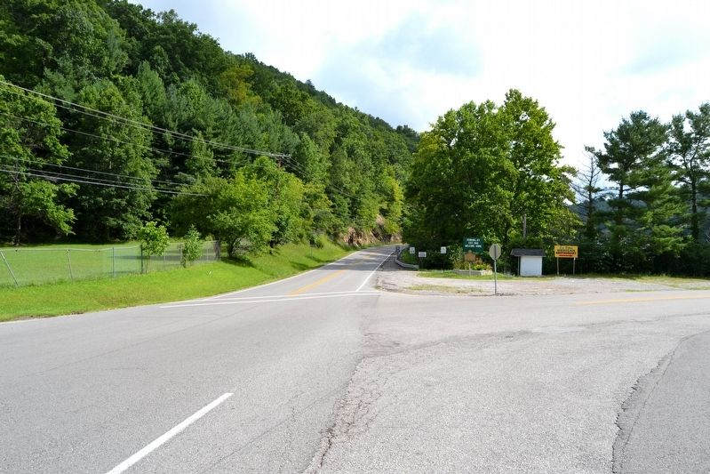 View to Northeast Along State Highway 3086 image. Click for full size.