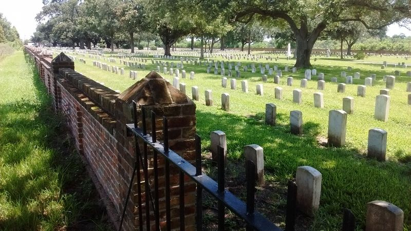 Chalmette National Cemetery image. Click for full size.