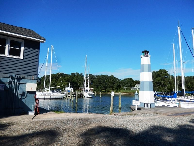Lighthouse at the Yankee Point Marina image. Click for full size.