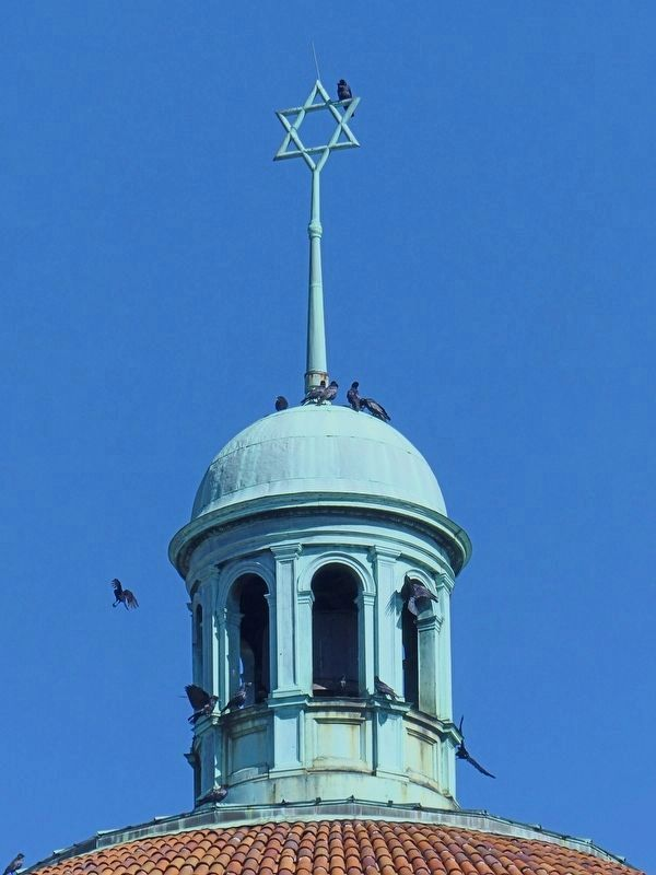 Eutaw Place Temple Cupola image. Click for full size.