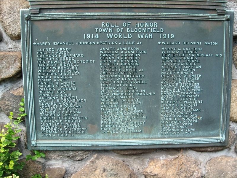 Bloomfield World War II Memorial image. Click for full size.