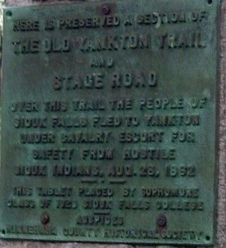 The Old Yankton Trail Marker image. Click for full size.