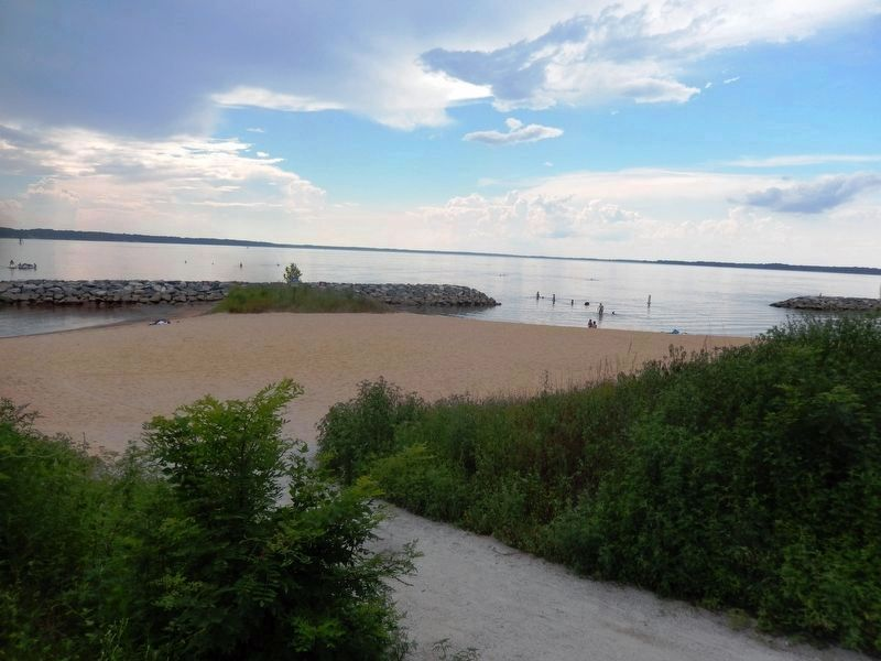 Jamestown Beach Park image. Click for full size.