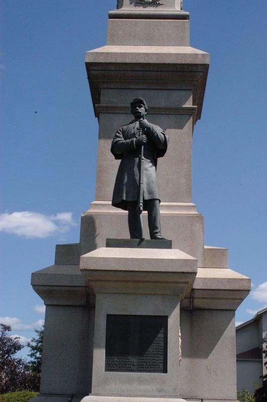 Saugus Massachusetts Memorial image. Click for full size.