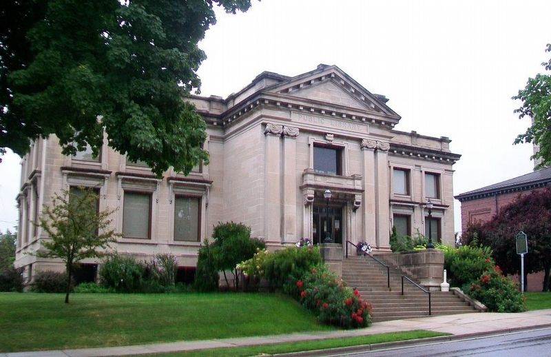 Manistee City Library and Marker image. Click for full size.