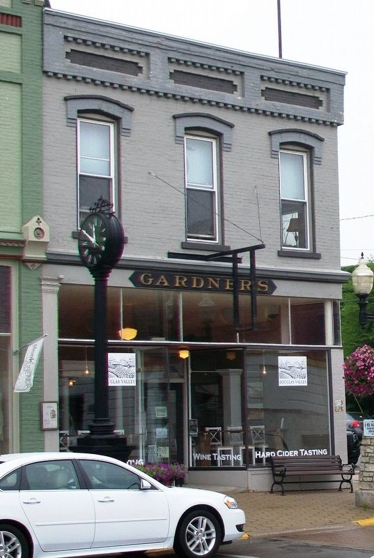 The Gardner Building and Marker image. Click for full size.