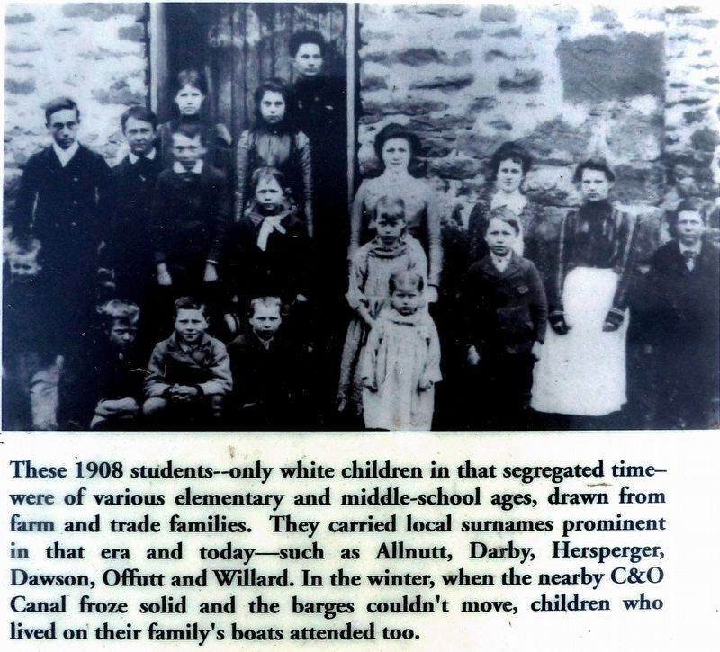 Students 1908 image. Click for full size.