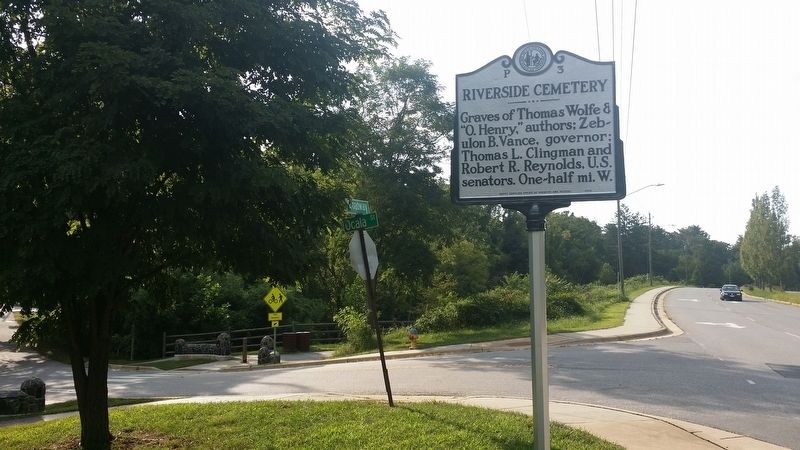 Riverside Cemetery Marker (facing north) image. Click for full size.