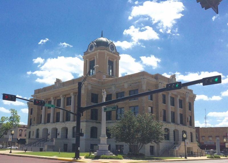 Cooke County Courthouse image. Click for full size.
