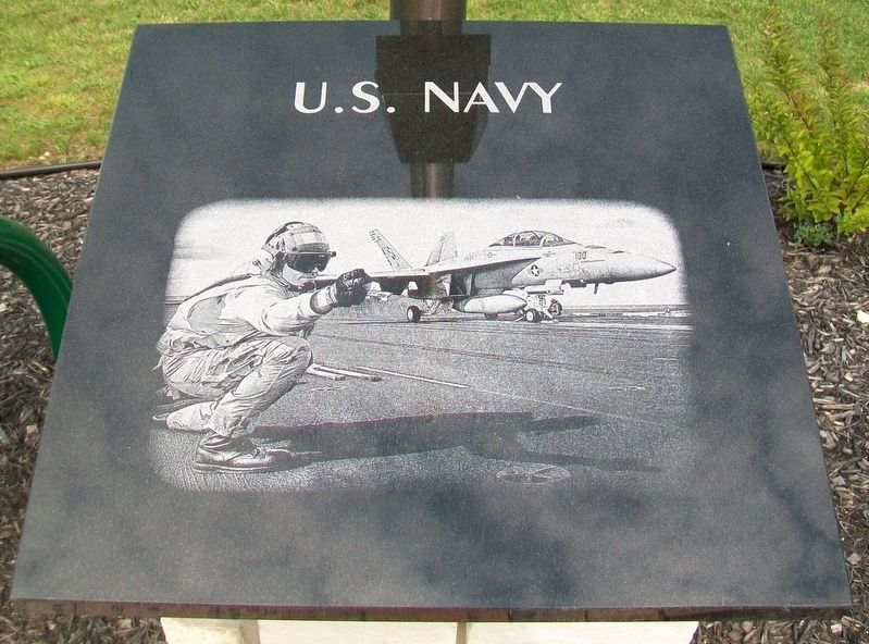 Veterans Memorial U.S. Navy Marker image. Click for full size.