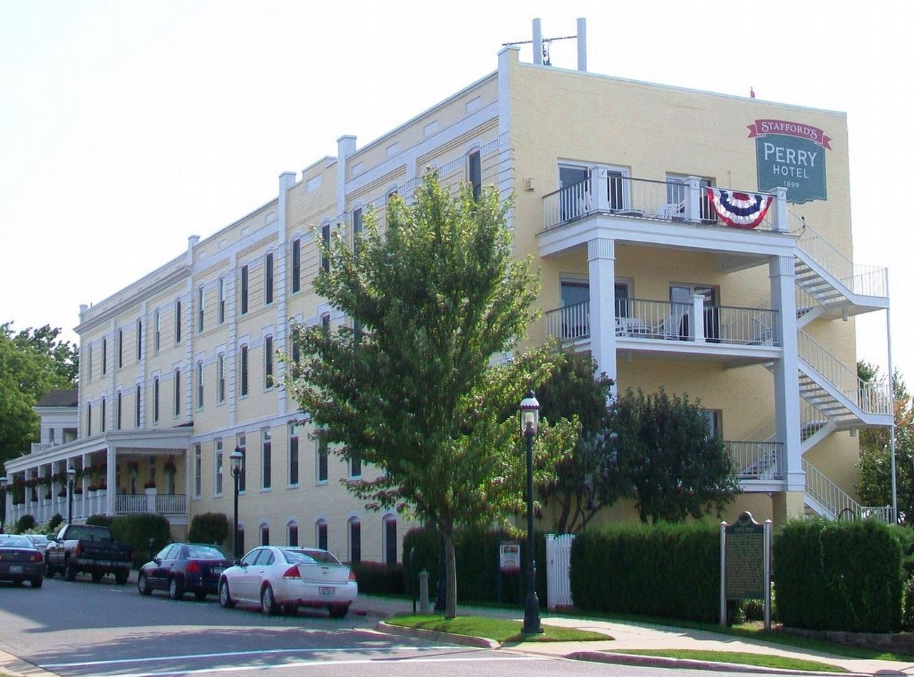 Hotel Perry and Marker image. Click for full size.