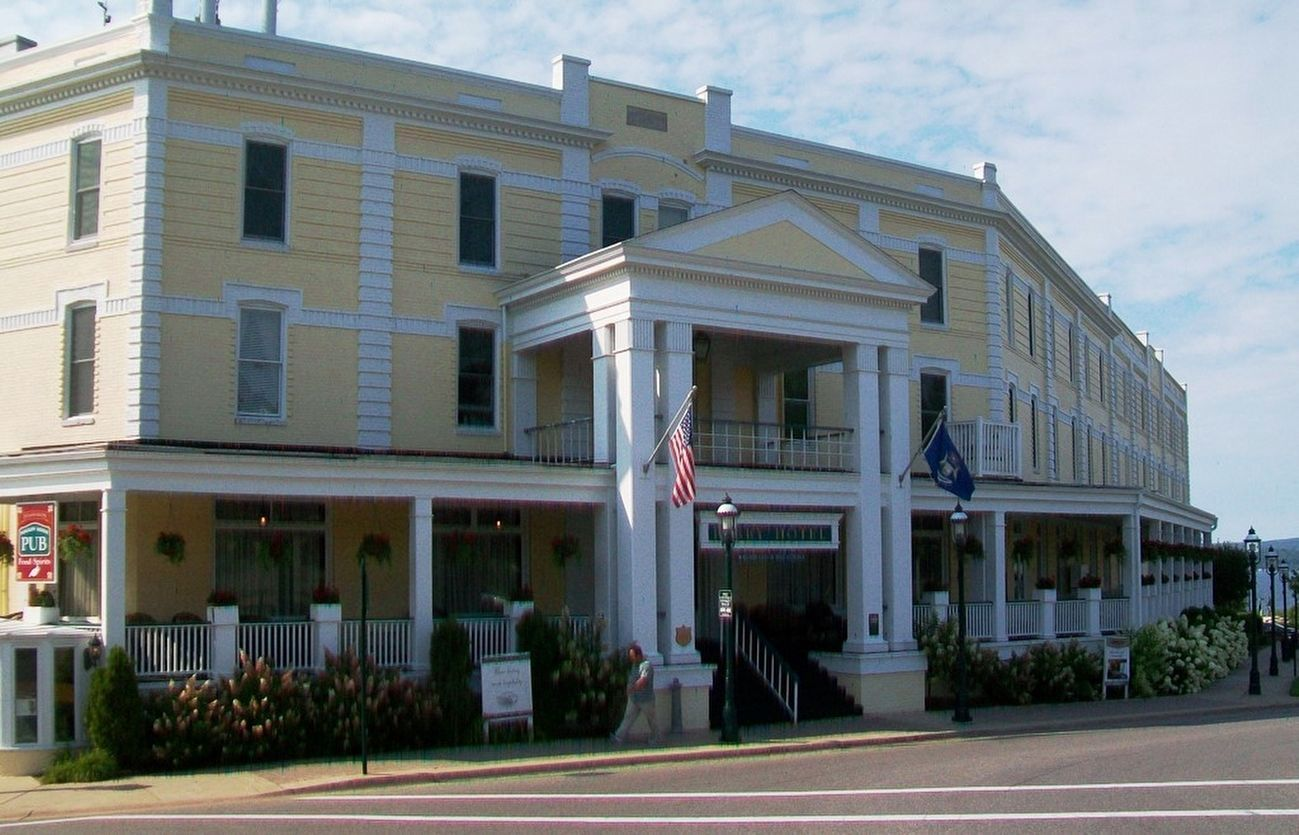 The Perry Hotel and Markers image. Click for full size.
