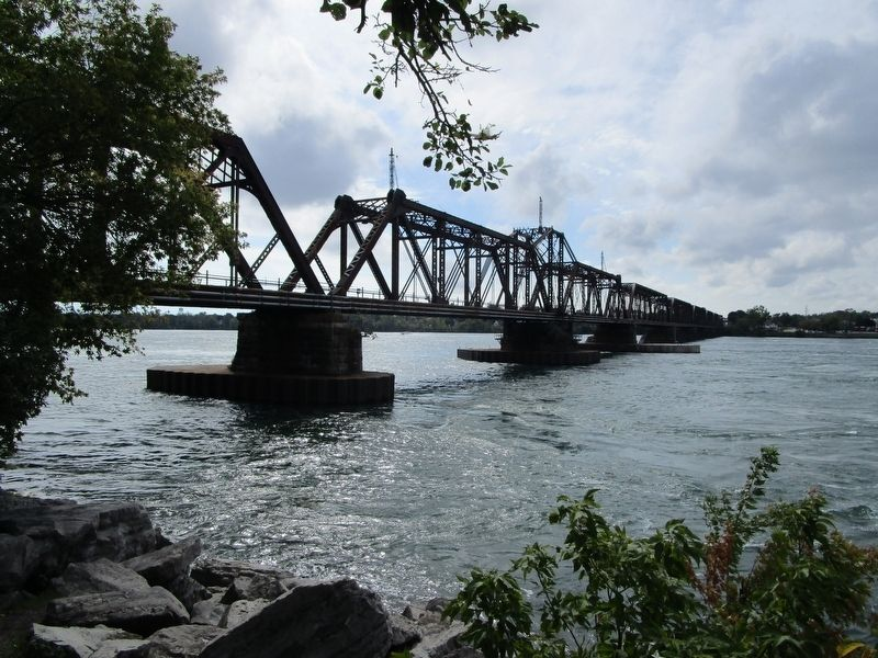 Niagara River and International Railway Bridge image. Click for full size.