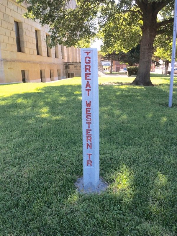 The Great Western Trail pole at the Wilbarger County Courthouse. image. Click for full size.