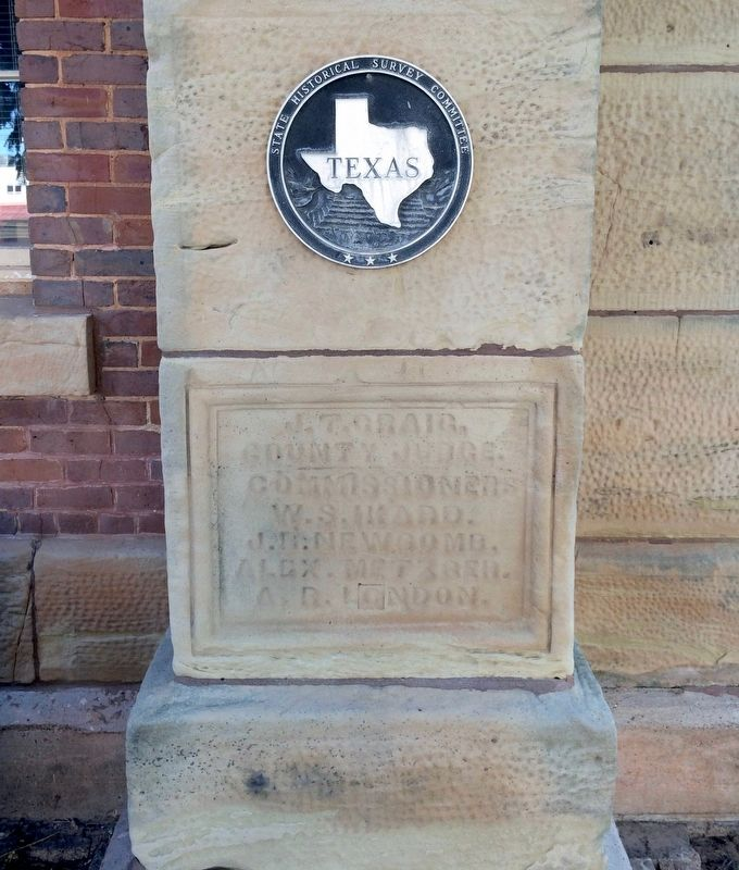 Clay County Courthouse Medallion near marker. image. Click for full size.