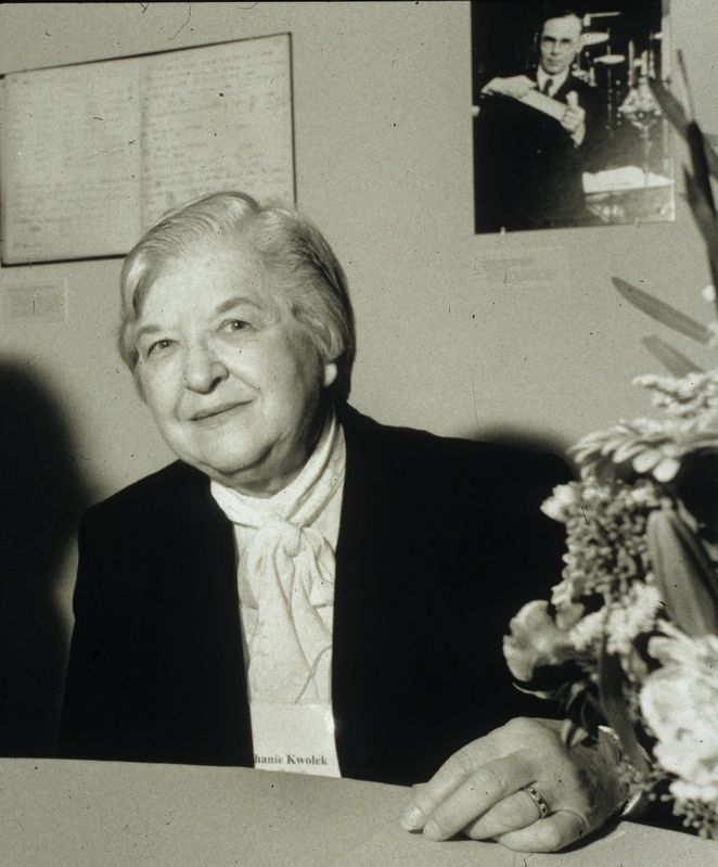 Stephanie Kwolek image. Click for full size.