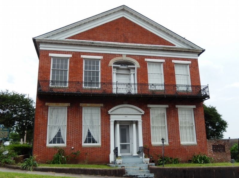 Planters' Hall (<i><b>front view</i></b>) image. Click for full size.