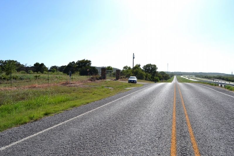 View to West Along I-20 Frontage Road image. Click for full size.