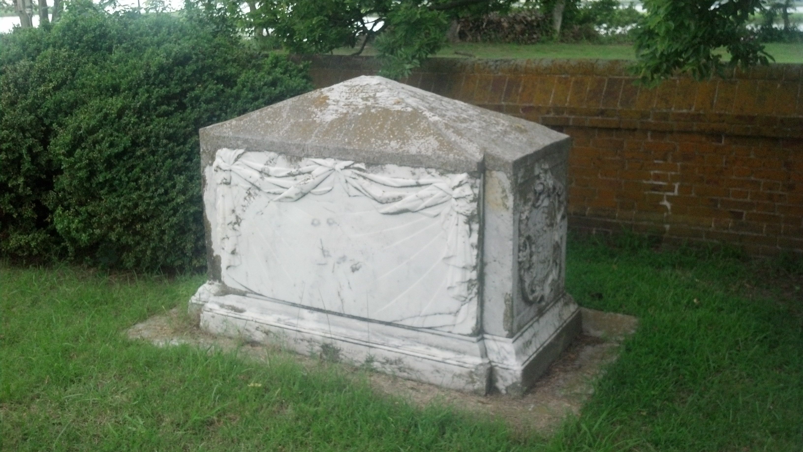 John Custis IV tombstone (south side)