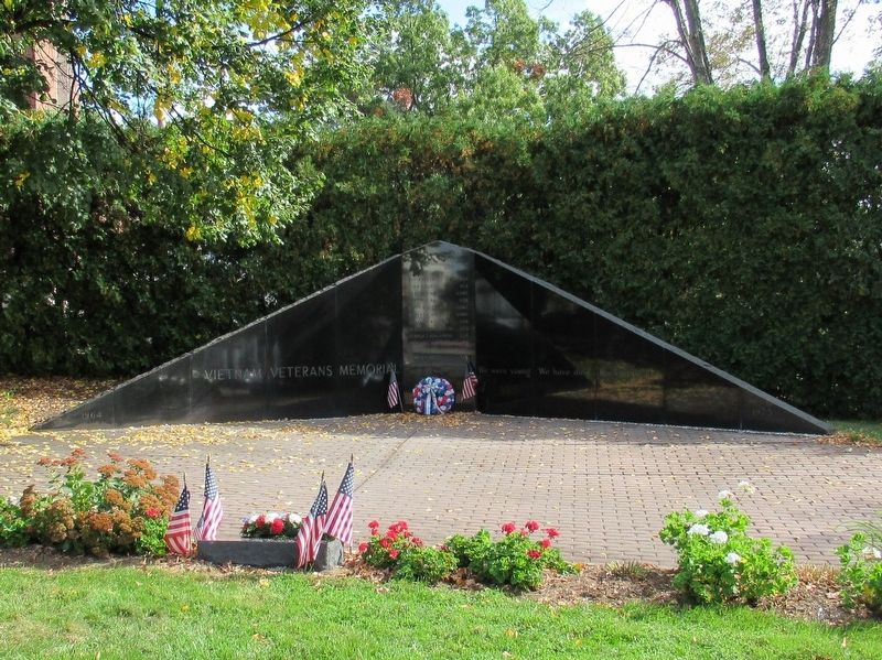 Manchester Vietnam Veterans Memorial image. Click for full size.