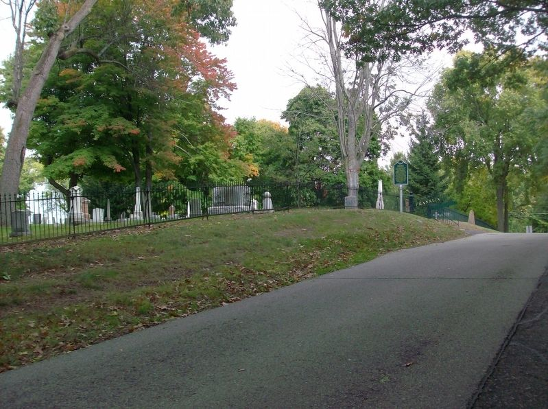 Franklin Cemetery Marker - looking east image. Click for full size.