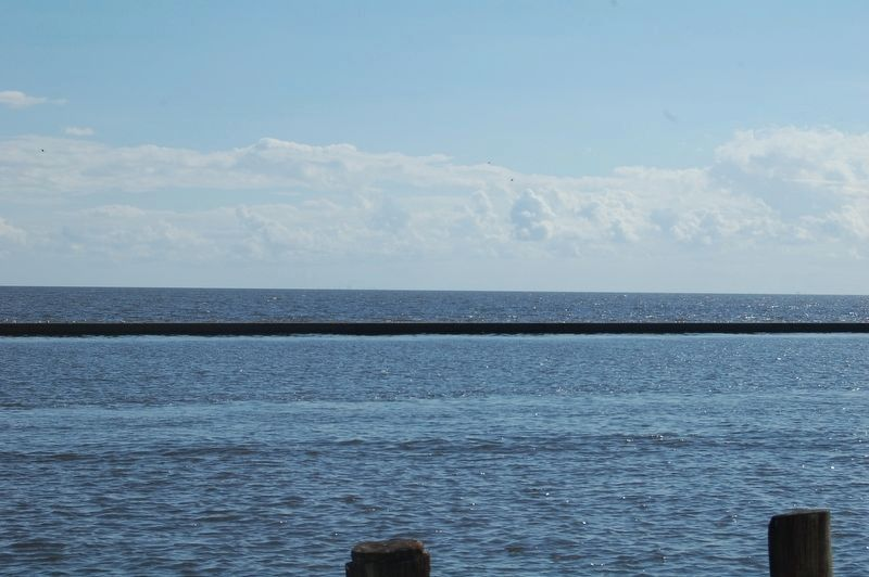 A view of Lake Pontchartrain from the marker location image. Click for full size.