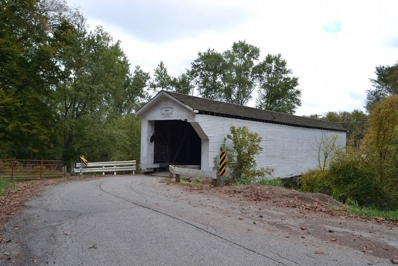 West End and South Side of Richland-Plummer Creek Covered Bridge image. Click for full size.