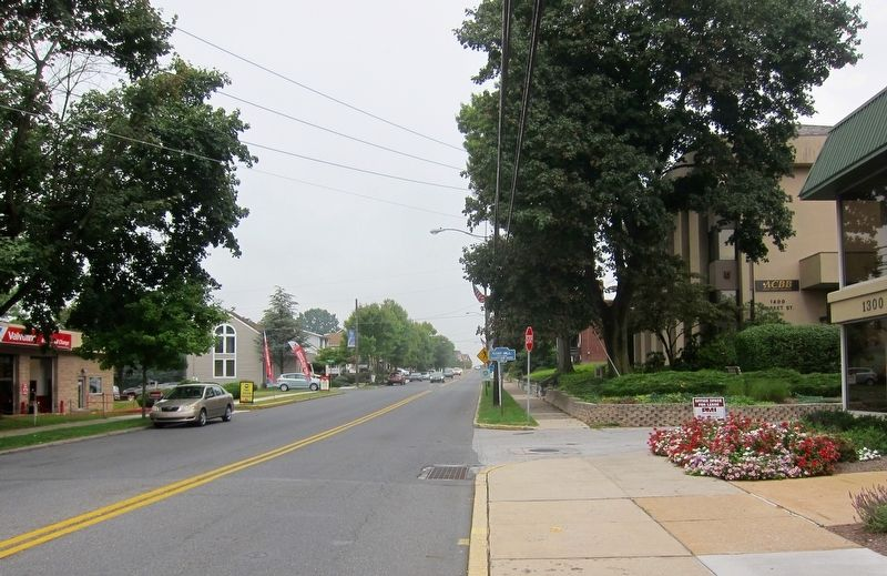 Camp Hill Marker - Wide View, Looking West on Market Street image. Click for full size.