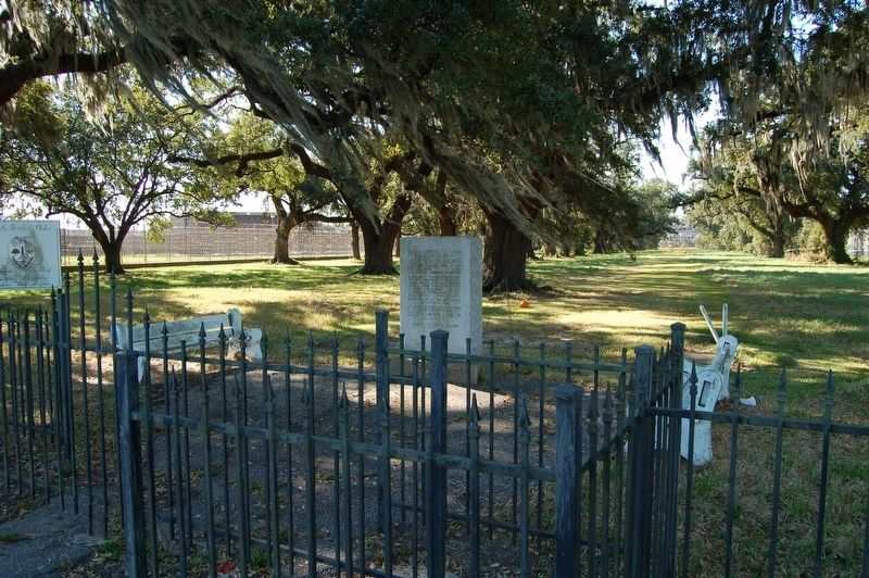 Versailles Oaks Marker image. Click for full size.