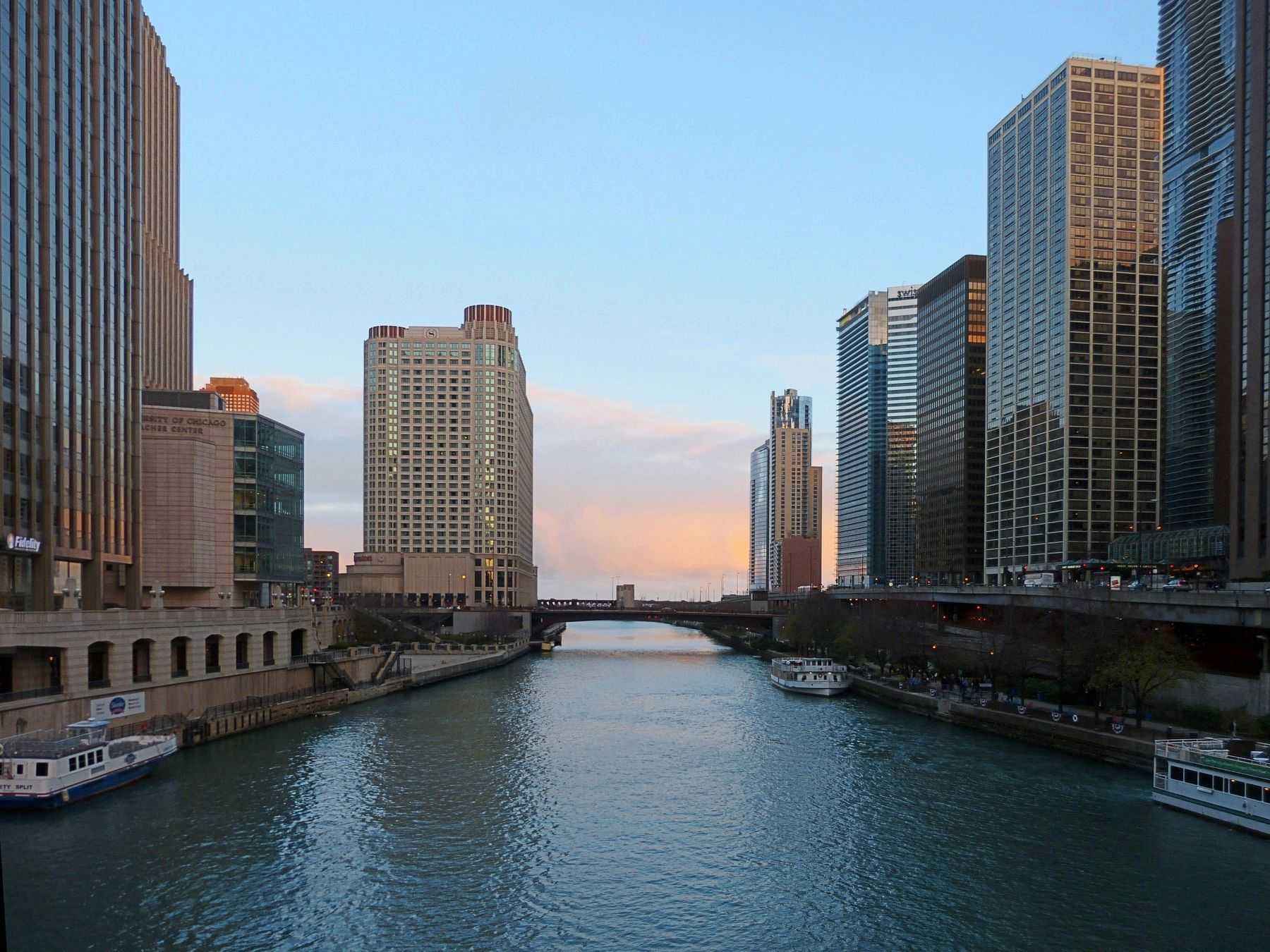 The Chicago River image. Click for full size.