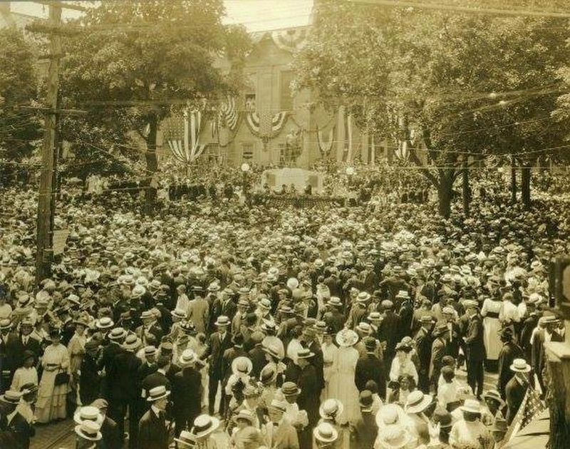 Dedication Ceremony on Memorial Day 1915 image. Click for full size.