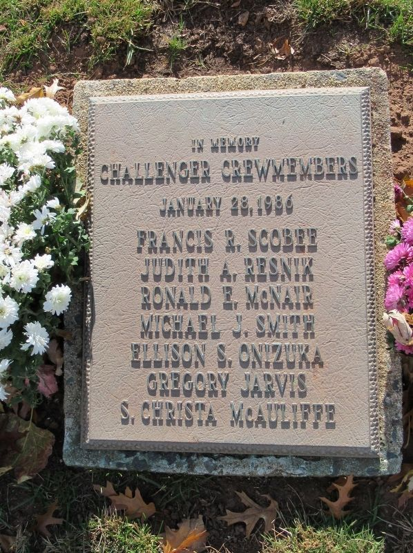 In Memory Challenger Crewmembers Marker image. Click for full size.