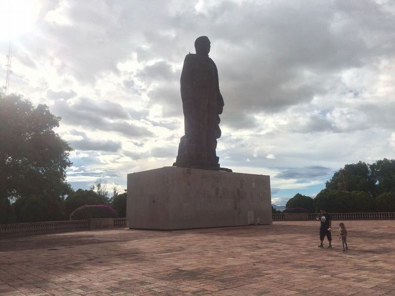 The Statue of Benito Juárez from 1967, at the top of the famous hill. image. Click for full size.
