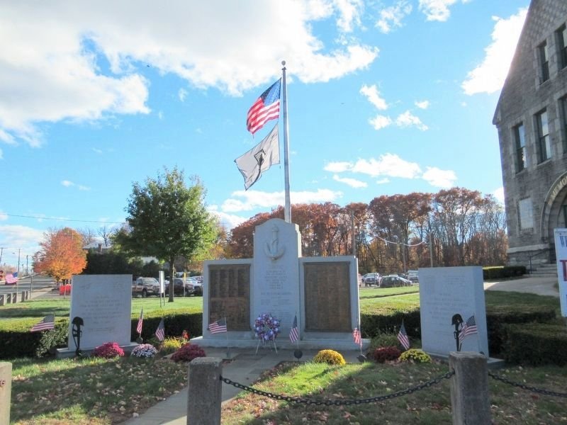 Windsor Locks Veterans Monuments image. Click for full size.