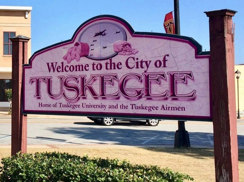 Welcome to Tuskegee, Alabama! image. Click for full size.