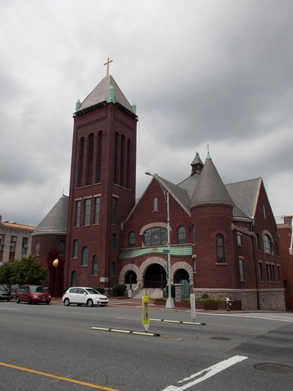 West Market Street United Methodist Church image. Click for full size.