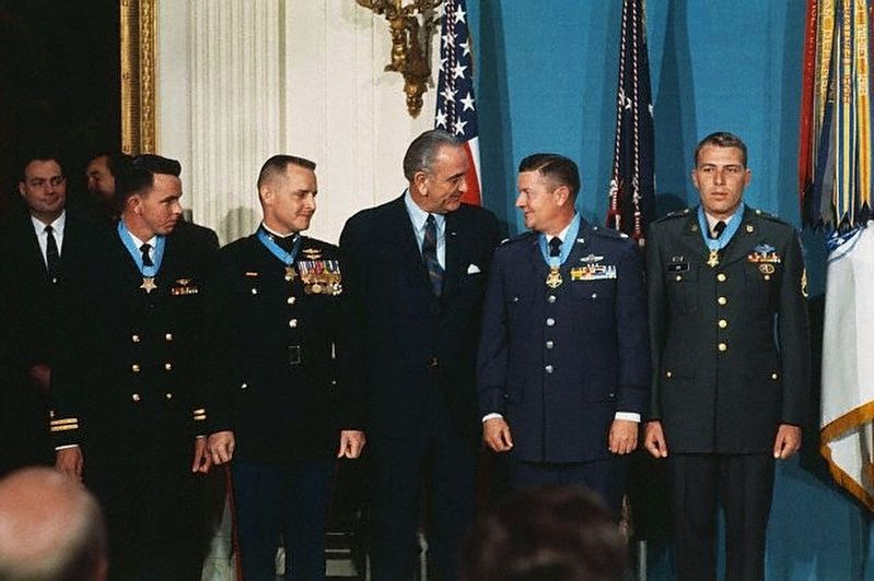President Johnson congratulates Medal of Honor recipients. image. Click for full size.