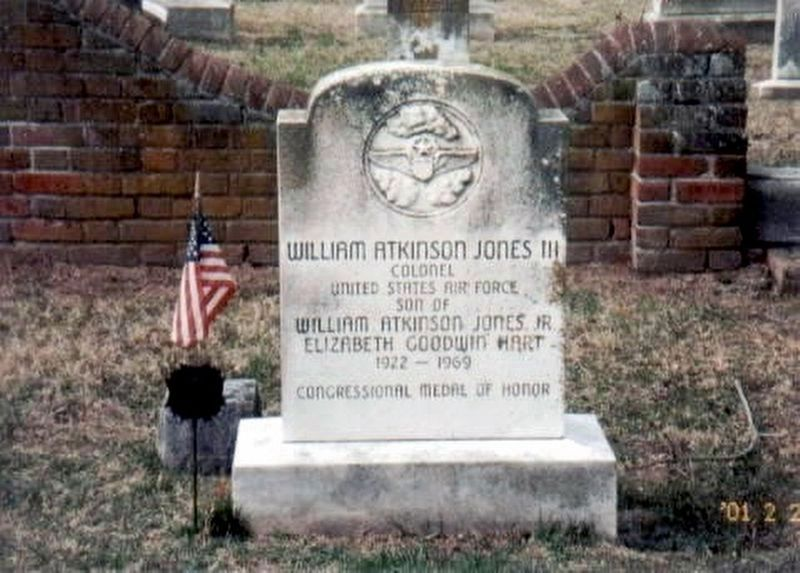 Lieutenant Colonel William Atkinson Jones, III Grave Marker image. Click for full size.