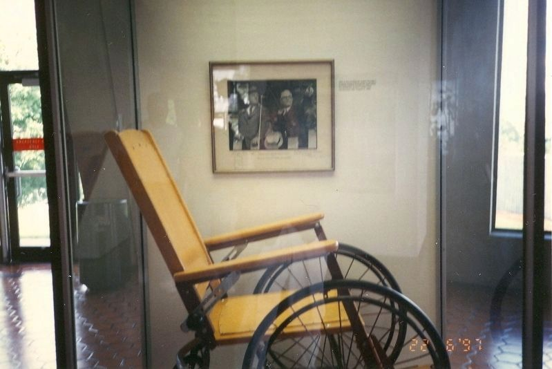 Inside the visitor center-Franklin Delano Roosevelt wheel chair image. Click for full size.