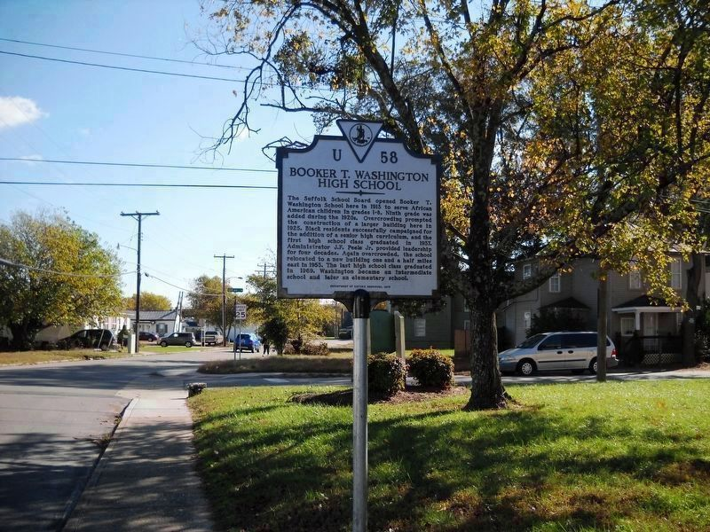 An eastward view of the marker. image. Click for full size.