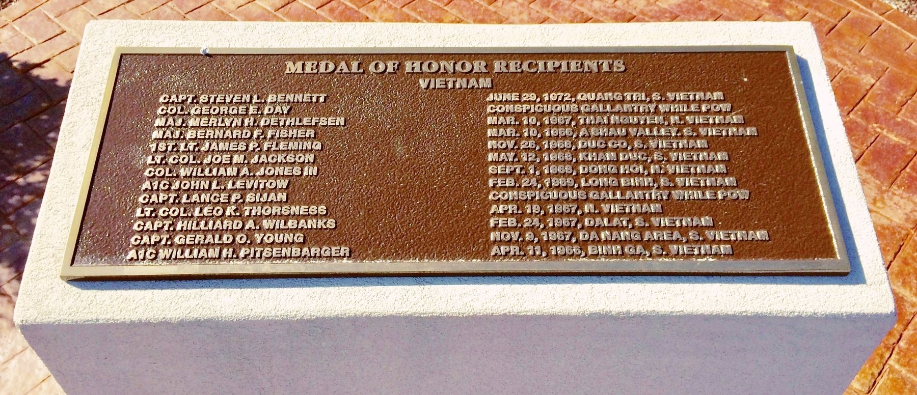 Medal of Honor Recipients - Vietnam Memorial image. Click for full size.