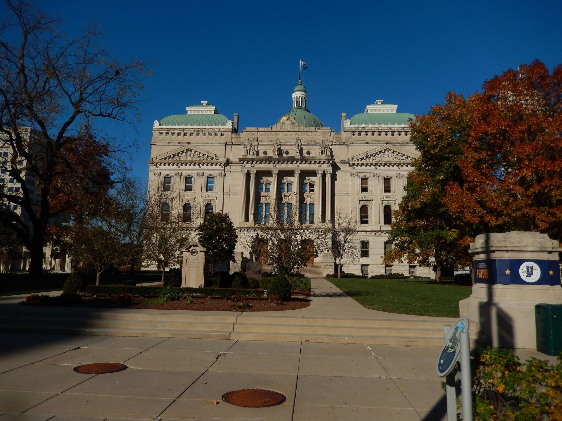 South Side of the Indiana State Capitol image. Click for full size.