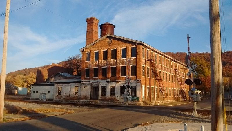 Hosiery Mill in Fort Payne, Alabama image. Click for full size.