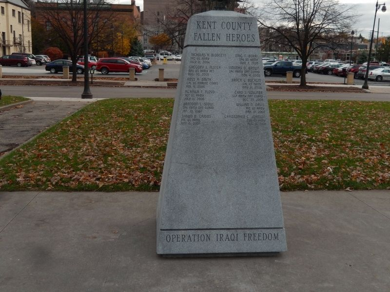 Grand Rapids Veterans Memorial and Honor Roll image. Click for full size.