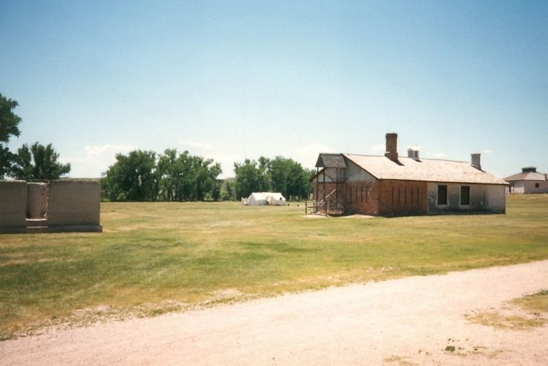 Fort Laramie Buildings image. Click for full size.
