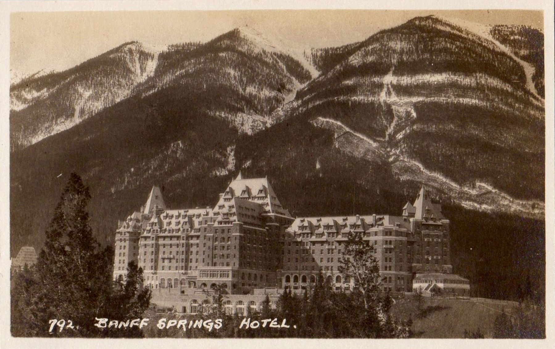 <i>Banff Springs Hotel</i> image. Click for full size.