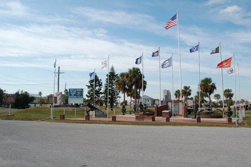 Grand Isle Community Center grounds image. Click for full size.